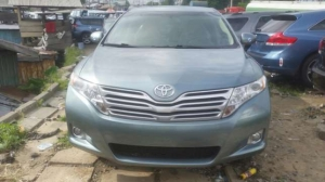 Toyota Avanza FULL OPTION